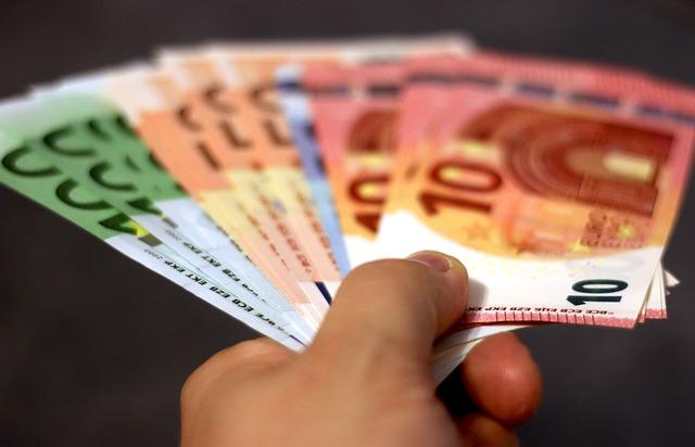 money-1005465_640